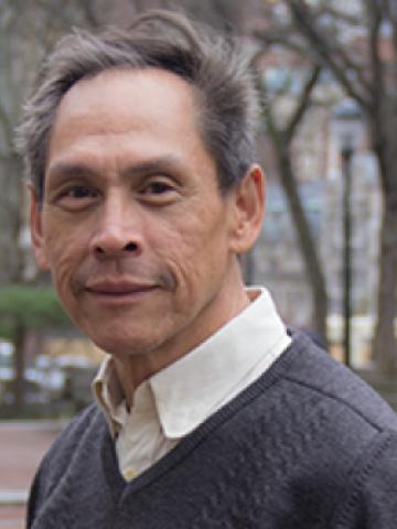 Fernando Chang-Muy headshot