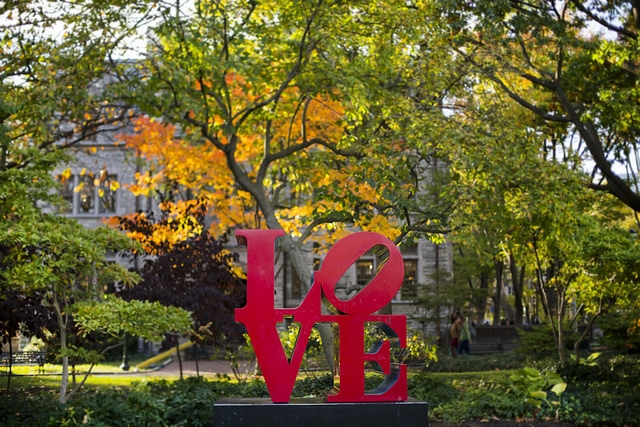 Image of the LOVE statue on Penn's Campus